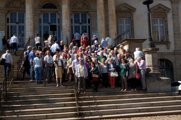 Gruppenbild, Rathaustreppe